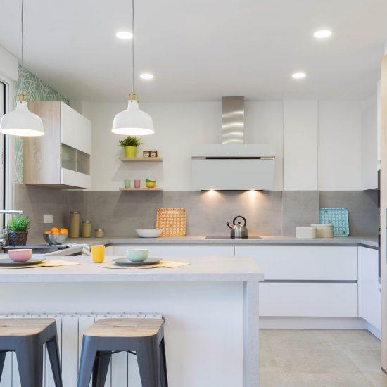 Vista principal cocina y barra